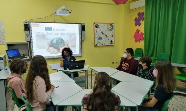 Progetto Erasmus, gli alunni della scuola media statale Mazzini incontrano Archè